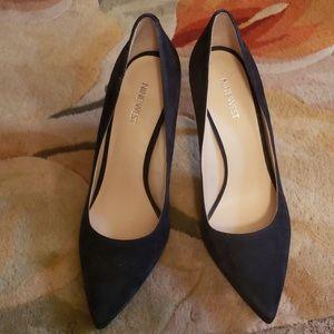Size 10 Nine West navy blue suede shoes